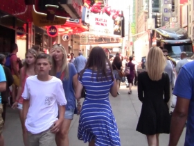 Hot-Summer-Day-At-Times-Square--2